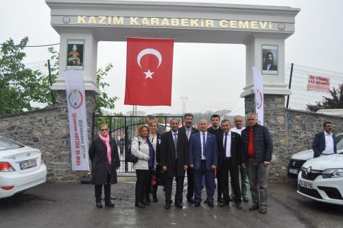İYİ Parti Kâzımkarabekir Cemevi Hıdırellez Şenlik programını ziyaret etti.