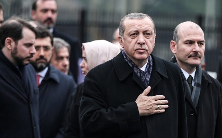 Ahmet Takan'dan bomba iddia: Saray'da yine Soylu kavgası çıktı!
