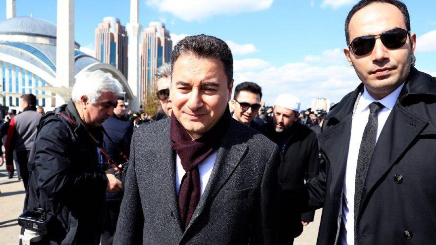 """Babacan """"DEVA"""" Parti kuruluş dilekçesi bugün resmen İçişleri bakanlığı'na verildi."""